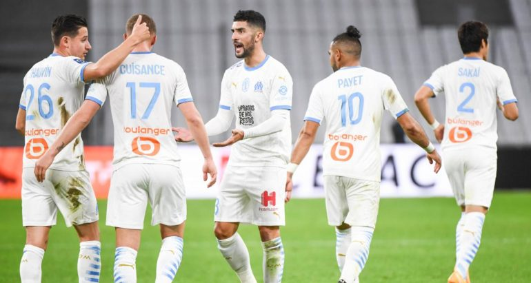 -om-–-olympiakos-:-les-equipes-officielles